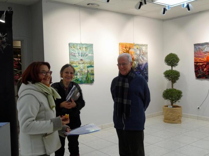 Francine Berg avec des visiteurs