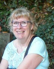 Maryvonne Auvinet, Secrétaire
